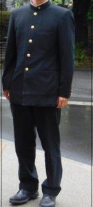 阿部亮平,制服